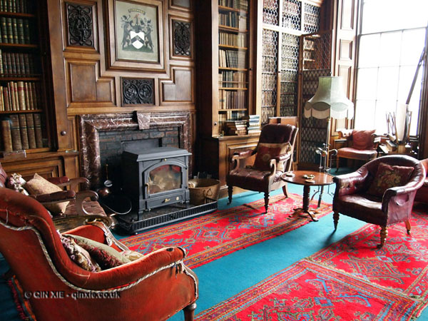 The fire in the library at Balfour Castle