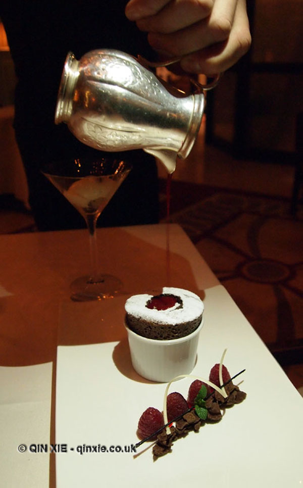 Chocolate soufflé with vanilla tahiti and raspberry at Apsley's, The Lanesborough Hotel