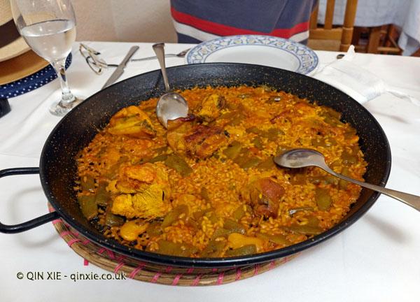 Paella at La Riua
